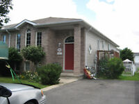 Cataraqui Woods - 3 Bed 2 Bath - for Oct 1/15