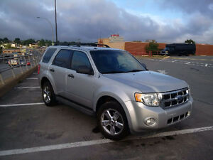 2009 Escape XLT Needs Nothing!
