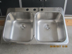 "32"" x 21"" Stainless steel sink by Kindred"