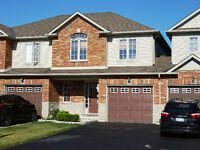 Charming 3 bdr townhouse for rent in Grimsby Ontario