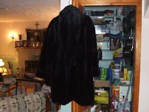 WOMENS FUR COAT- NEVER WORN
