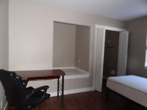 suite 1 Bed 1 Bath Langford  Happy Valley Luxton Grounds