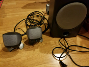 Logitech x220 speakers with subwoofer