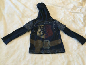5T Baby Gap Knight hooded long sleeved top