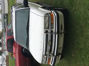 2000 Chevrolet Blazer Chrome Hatchback