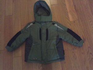 Boys Warm Winter Coat/Jacket (Size 2T) **great condition!**