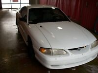 1996 Ford Mustang Coupe (2 door)