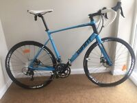 Giant Defy Road-bike / Brand New! Plus accessories.