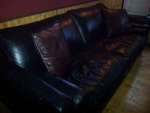 Price drop! Beautiful Black Leather Sofa (Couch) -NEGOCIABLE
