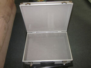 HARD SHELL METAL BRIEFCASE - SUITCASE