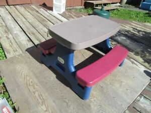 PICNIC TABLE - KIDS - yes, it's still available (Sat. am)!!!!!!!