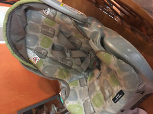 Baby car seat:Graco Snugride Classic Connect