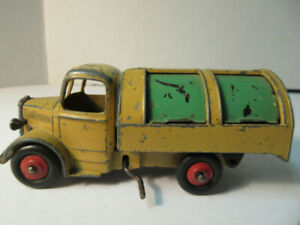 Dinky Toys by Meccanno 252 Bedford Garbage Truck