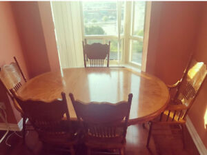 Amazing Quality Dining Table Set w/ Hutch!!!