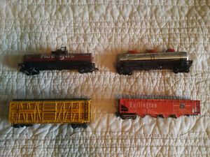 Model Train Pieces - Made in Austria, Made in China *USED*
