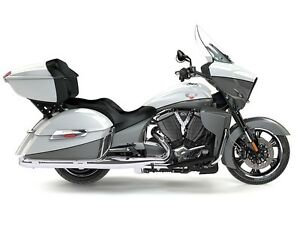 2016 Victory Cross Country Tour Two-Tone White Pearl and Gray