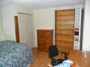 Two bright rooms in legal suite for January 01/18
