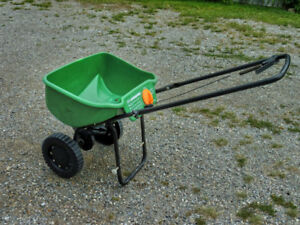 Spreader for fertilizer or seed