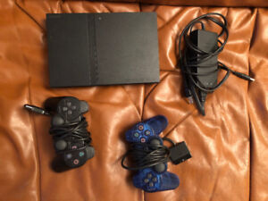 Console Playstation 2 (PS2) slim + volan +10 joux