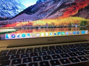 """Apple MacBook Air 13"""" Intel Core i7, 4GB RAM, 250GB SSD"""