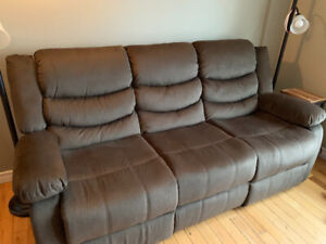 Logan chocolate power reclining sofa