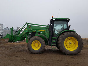 7200R JD TRACTOR ,FW ASSIST,QUICK ATTACH PACKAGE, POWERSHIFT Moose Jaw Regina Area image 1