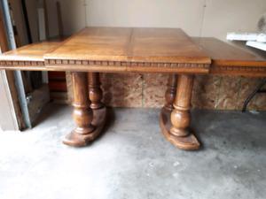 Beautiful Oak Table