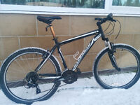 specialized hardrock hardtail mountain bike