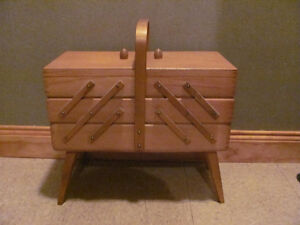 Vintage sewing basket in good condition $28
