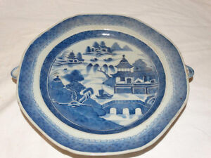 Assiette Chinoise / Antique Chinese Blue & White WARMING Plate