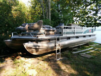 LARGE 27 FOOT PONTOON BOAT (LET'S PARTY!)