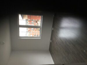 New townhouse for rent with 2 parkings (Dundas/Trafalgar)