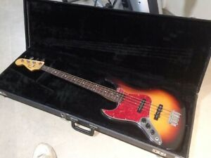 Rare LEFTY Fender Jazz Bass, MIJ '62 Reissue in great condition!