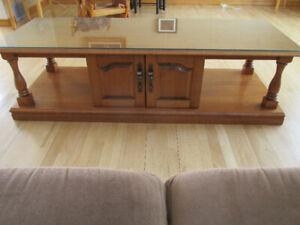 Table de salon en bois avec rangement, vitre incluse
