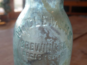 2 old brewery bottles + 1 old pepsi bottle Sarnia Sarnia Area image 3
