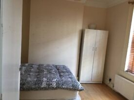 Available now! Beautiful double room near Stratford Station