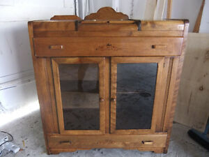 1930's solid oak china cabinet sideboard in exc cond