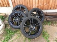 £150 ono Black 4 studs alloys 17s