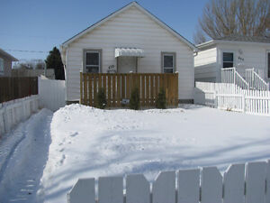 One family house for rent, 2 bedrooms 470 Ottawa St.
