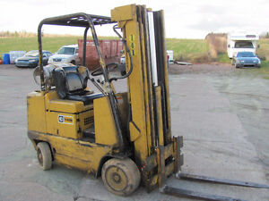 CAT T408 FORKLIFT, 4000LBS LIFT...WORKS EXCELLENT...!