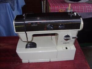 sewing machine,,mint shape