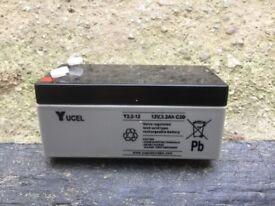 Yucel 12 volt 3.2 Ah battery