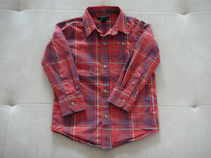 "Chemise a m/longues ""GAP"" (taille 4/5)"