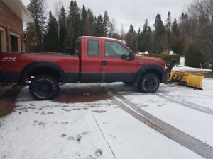 2002 Ford F-250 XLT Pickup Truck with Meyer Plow