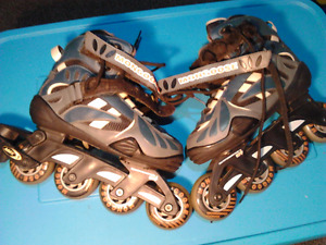 BOYS ROLLERBLADES SIZE 5 MONGOOSE BLUE WITH LACES STRAPS STURDY