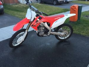 2013 CRF250R,     ONLY 10HRS SINCE NEW