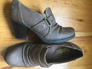 Naturalizer, Cobb Hill shoes-Total comfort; immaculate condition