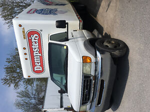 REDUCED 2003 Ford E-550 cube van