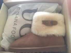 Brand New in Box with tags Ugg Ozlana Ladies boots size 8
