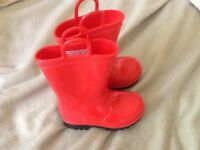 Size 6 red rubber boots